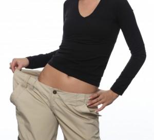 Kvinna som har gått ned i vikt